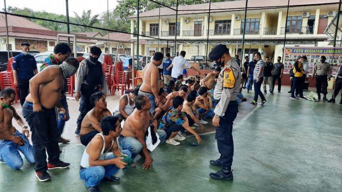48 Orang Bersajam Asal Binjai Konvoi ke Langkat Hendak Bikin Onar, Kini Diamankan di Mapolres