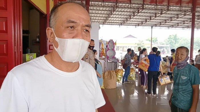 Puncak Perayaan Cheng Beng, Vihara Marga Raja Dipenuhi Umat Buddha yang Berdoa