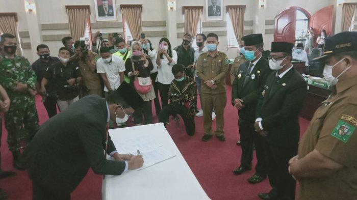 Radiapoh Sinaga Sampaikan Pidato Perdana Dalam Sidang Paripurna DPRD Simalungun