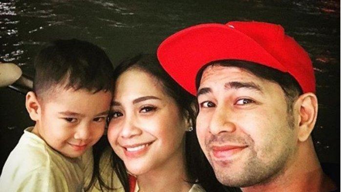 Raffi Ahmad Ajak Dua Asistennya Liburan ke Luar Negeri dan Sebut Mereka sebagai Orangtua Angkat
