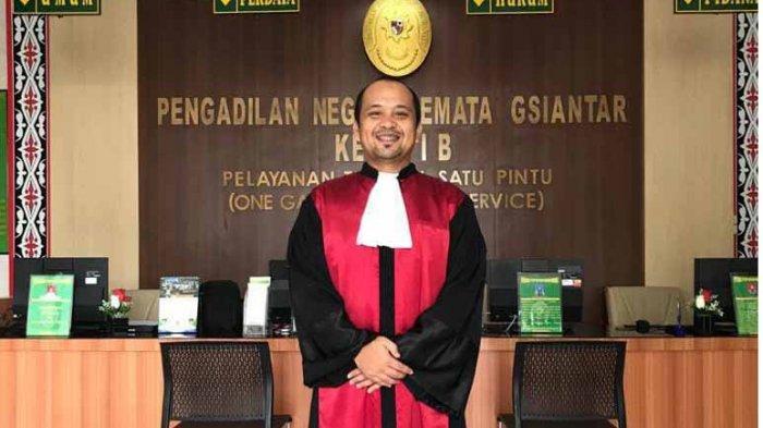 SOSOK Rahmat Hasibuan, Hakim PN Siantar, Sempat Jadi Honorer dan Gagal Jadi Dokter