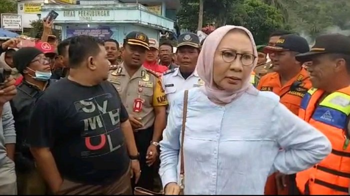 Ratna Bikin 'Gaduh', ternyata 100 Lebih Keluarga Korban KM Sinar Bangun Setuju Pencarian Dihentikan