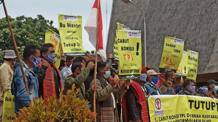 BREAKINGNEWS Aliansi Gerak Tutup TPL Berunjuk Rasa di Kantor Bupati Toba