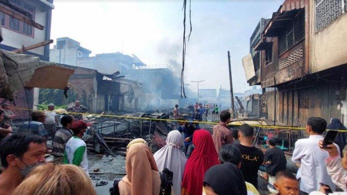 Pajak Lama Perbaungan Mendadak Kebakaran, Ratusan Kios Hangus