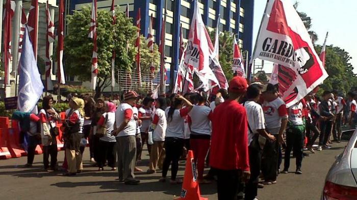 Ratusan Massa Prabowo Kembali Datangi Gedung MK