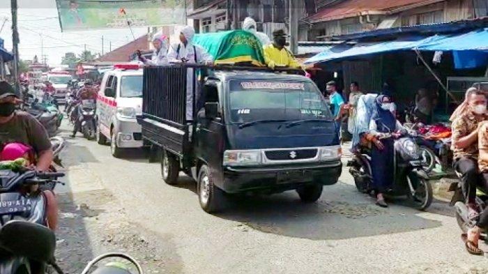 BREAKING NEWS Tingkat Kematian Covid-19 di Batangkuis Makin Tinggi, Petugas Razia Bawa Keranda Mayat