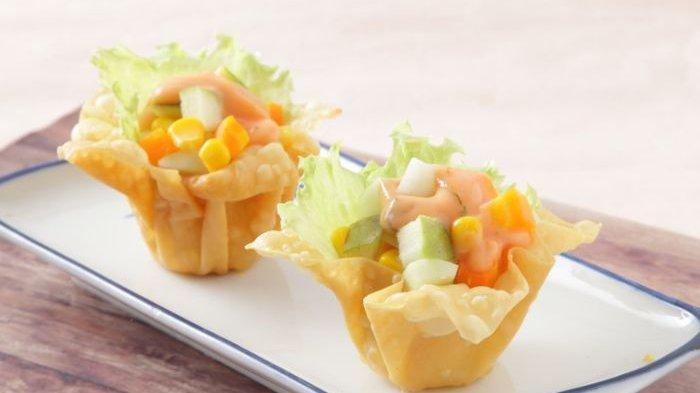 Resep Salad Campur Mangkuk Pangsit dan Cara Membuatnya, Camilan Sehat dan Lezat