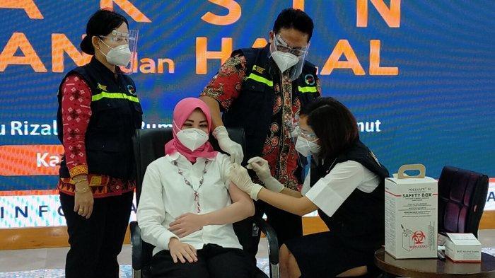 Divaksin Terakhir di Tahap Pertama Vaksinasi, dr Restuti Sebut Rasanya Sama Seperti Vaksin Lain