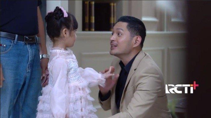 Reyna atau Nindy dengan Nino di Sinetron Ikatan Cinta