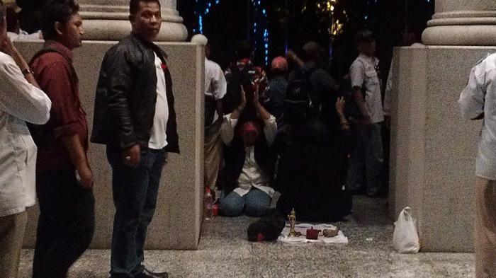 Ada Ritual 'Klenik' di Gedung MK Jelang Kedatangan Prabowo