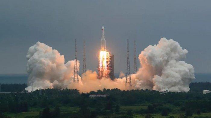 China Ngotot Tak Mau Disalahkan Jatuhnya Puing-puing Roket ke Bumi, Rencanakan Misi Ini dengan Rusia