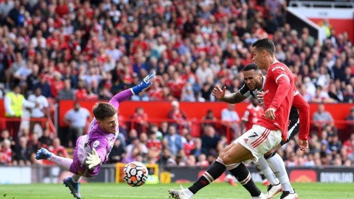 Cristiano Ronaldo cetak 2 gol pada debutnya bersama Manchester United