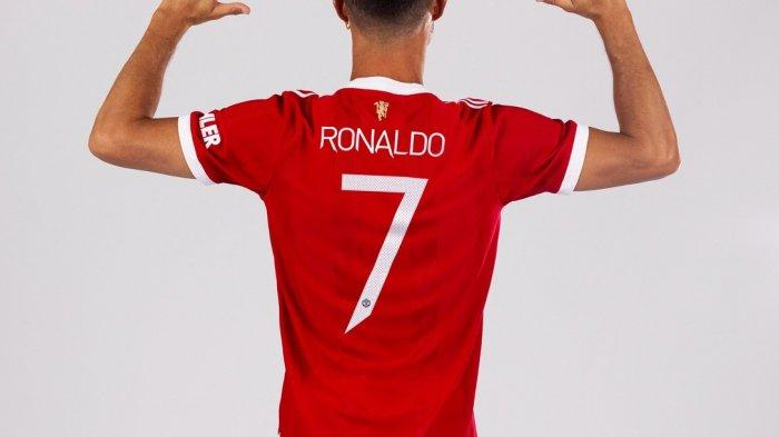 Cristiano Ronaldo kembali memakai nomor punggung 7 di Manchester United