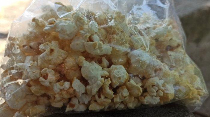 Rondang, Popcorn Batak Sebagai Oleh-oleh Wajib dari Pesta Adat Sejak Zaman Kolonial Belanda