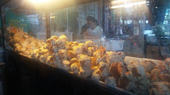Roti Ketawa Sambo, oleh-oleh khas Siantar yang rasanya lezat.