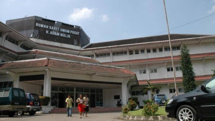 Tidak Ikut Rombongan Gubernur, Direktur RS Adam Malik Ikut Vaksinasi Tahap Kedua