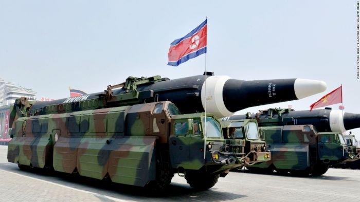 Rudal jarak jauh KN-08 milik Korea Utara.