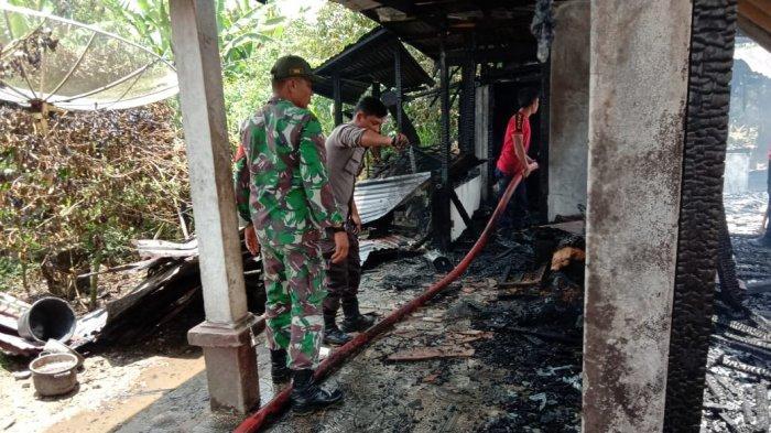 Saat Bekerja di Kebun Kopi, Rumah Oppu Fernando di Pangaribuan Terbakar