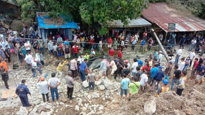 Tembok Roboh di Kelurahan Parapat, 3 Orang Pengguna Jalan Dikabarkan Tewas