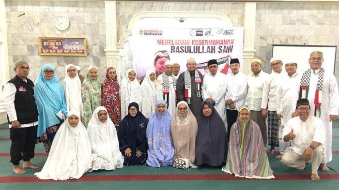 24 Kursi Roda Didonasikan Untuk Palestina dari Jamaah Masjid Al Hidayah Menteng