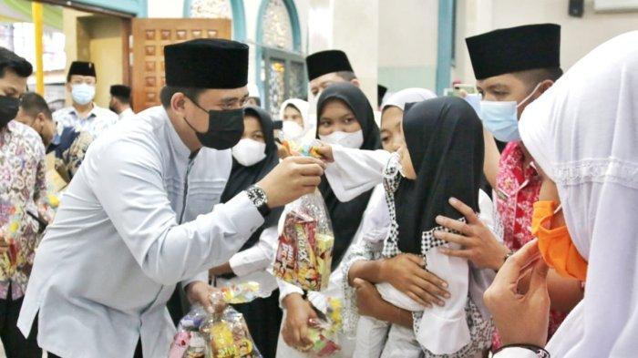 Bobby Nasution Manfaatkan Safari Ramadhan untuk Berbagi dengan Anak Yatim Piatu