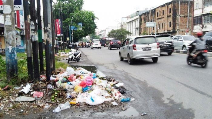 Sampah Menumpuk Hampir Sebulan di Desa Medan Estate, Ternyata Perangkat Desa Diperiksa Jaksa