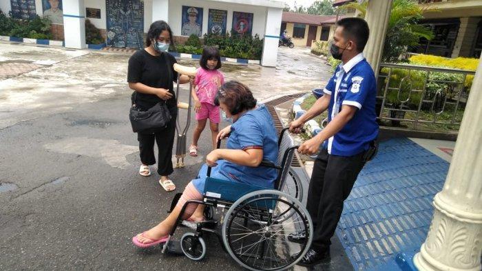 Samsat Binjai Sediakan Kursi Roda dan Ruang Ibu Menyusui Bayi