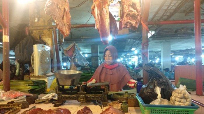 Dijual Rp 130 Ribu Per Kg, Pedagang Daging Sapi di Pasar Petisah Medan Akui Penurunan Penjualan