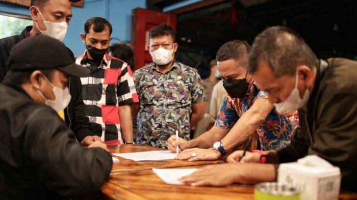 Petugas Satgas Covid-19 Kota Medan Datangi Tempat Hiburan yang Diduga Langgar Aturan PPKM Mikro