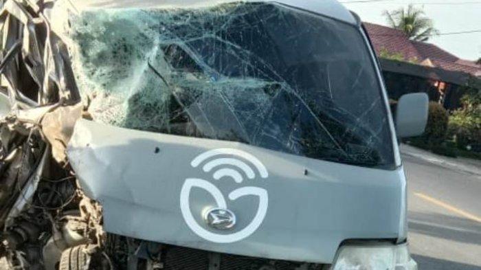 Satu Keluarga Asal Medan Johor Luka-luka Setelah Mobil yang Ditumpangi Menyenggol Truk