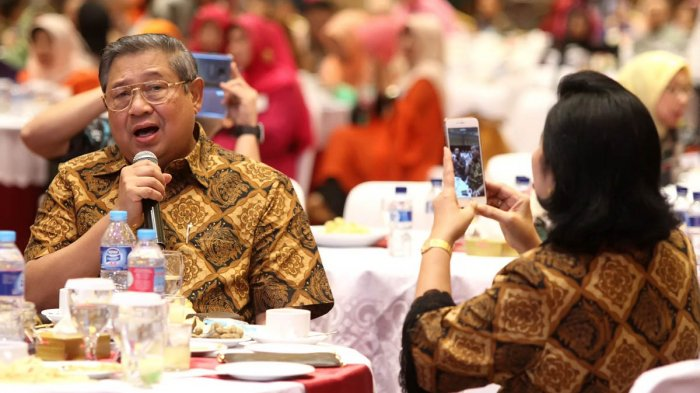 Pak SBY, Mengadu ke Tuhan, Kok, Lewat Twitter