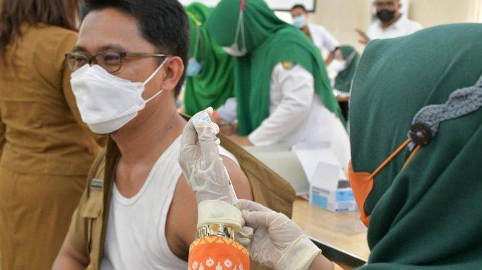 Terima 1.540 Dosis Vaksin Moderna, Pemkab Sergai Mulai Vaksinasi Dosis Ketiga ke Tenaga Kesehatan