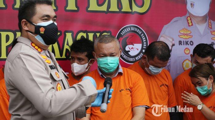 BERITA FOTO Ini Dia Wajah Sekda Nias Utara Yafeti Nazara Saat Diinterogasi Polisi Usai Pesta Narkoba