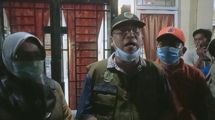 Plt Sekda Kabupaten Asahan beri tanggapan mengenai warganya yang diduga keracunan makanan.
