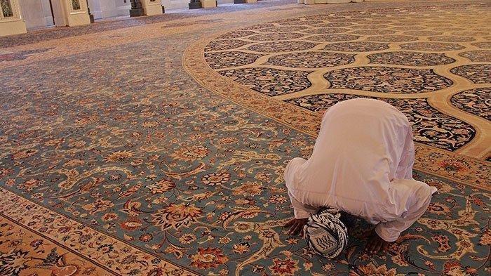 Tata Cara Sholat Taubat Nasuha pada Malam Nisfu Syaban Lengkap dengan Niat & Doa