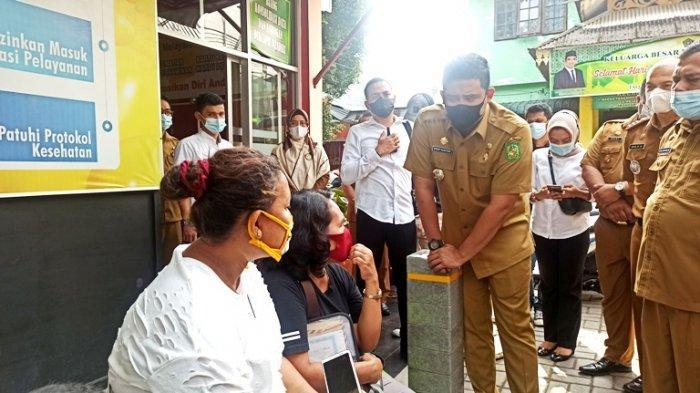 BREAKING NEWS Sidak Wali Kota Medan di Disdukcapil, Warga Ngeluh ke Bobby Nasution Soal PKH
