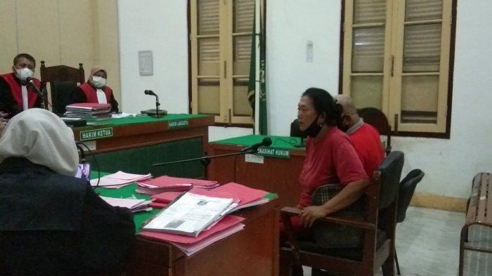 Rosita Napitupulu Menangis Geram Lihat Pembunuh Kakaknya di Persidangan