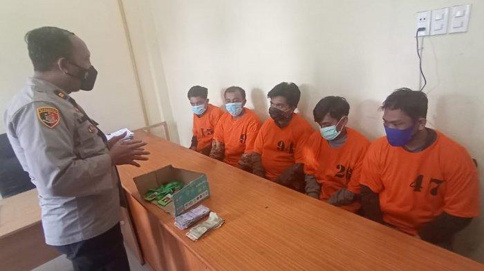 5 Orang Pelaku Pungli Berkedok Retribusi di Pemandian Sidebuk-debuk Ditangkap Polisi