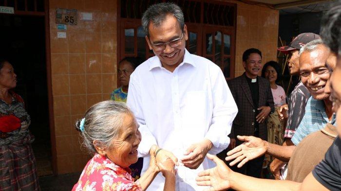 Senangnya Nenek 78 Tahun Ini Bertemu Sihar Sitorus