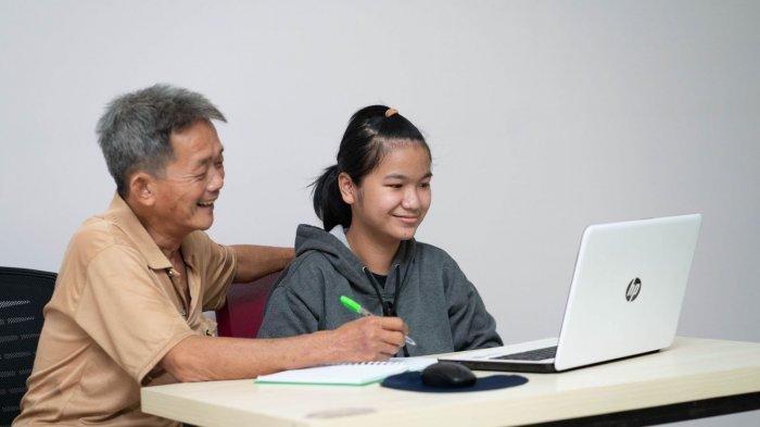 Kisah Silvia, Anak Almarhumah Pengemudi Taksi Online yang Ingin Jadi Dokter Gigi