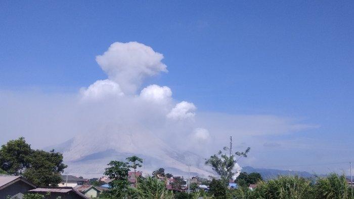 Hati-hati, Tingkat Gempa Gunung Sinabung Terus Meningkat dan Erupsi Awan Panas Tinggi