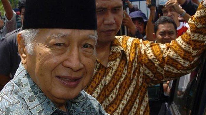 Mengenang Aksi Soeharto yang Bikin Para Menterinya Tak Berkutik, Nginap di Rumah Warga