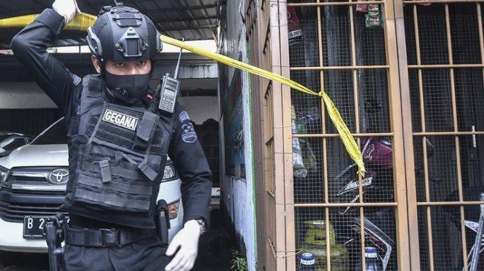 Mengerikan Terduga Teroris Bawa Senjata Terobos Markas Mabes Polri, Ditembak di Lokasi