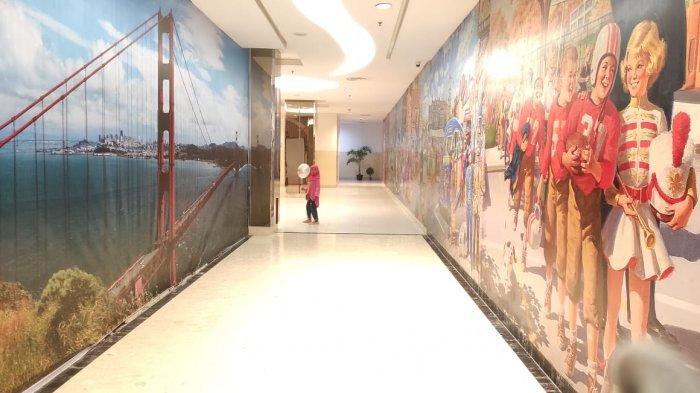 Disepanjang lorong juga pengunjung akan mendapati gambar 3D Kungfu Panda, Star Wars dan hiu.