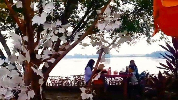 Perpaduan Danau, Taman Bunga Bermekar, dan Spot Foto Menyatu di Siombak Marelan