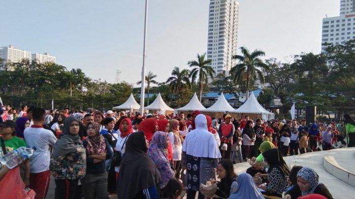 Pengunjung CFD Harap Ada Pertunjukan Seni Setiap Malam Minggu di Lapangan Merdeka