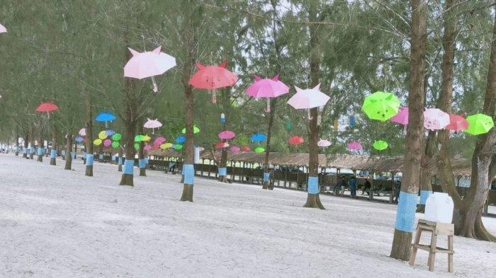 Suasana di Pantai Sri Mersing