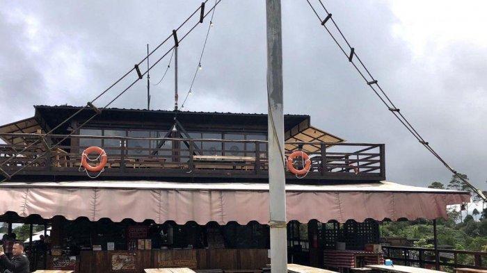 Suasana di Pinisi Resto Situ Patenggang,