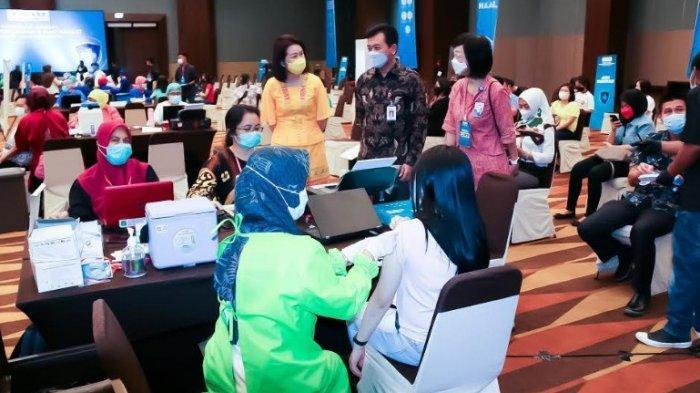 Dukung Pemerintah, OJK Vaksinasi Massal di Kota Medan