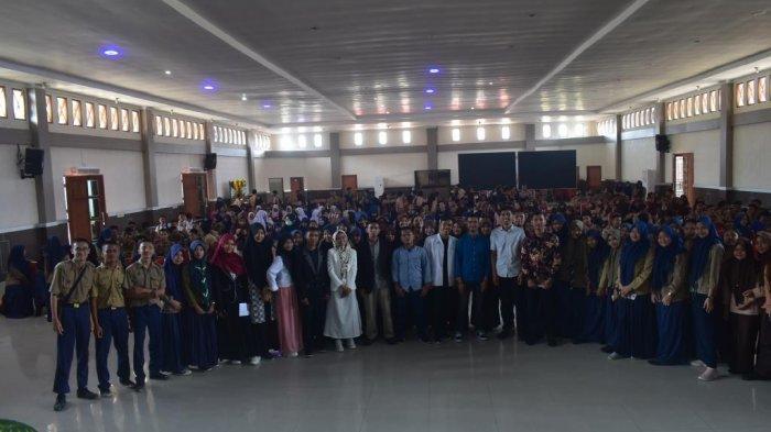 Kuliah Tak Gentar Bongkar Rahasia Raih 48 Beasiswa, Ratusan Siswa Ikuti dengan Antusias